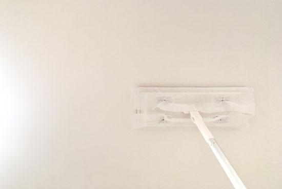 壁紙をウタマロクリーナーで掃除