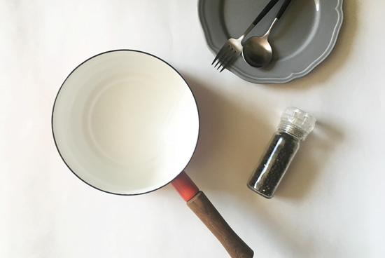 鍋の焦げは重曹を沸騰させて掃除