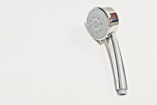 シャワーヘッドをクエン酸で掃除